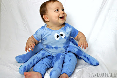 Adorable DIY Octopus baby costume by TaylorMade
