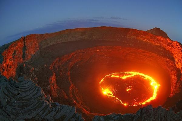 2.+Gerbang+Neraka+Danau+Lava+ +Afar+Depression 5 Lubang di Bumi Yang Di Anggap Gerbang Menuju Dunia Lain