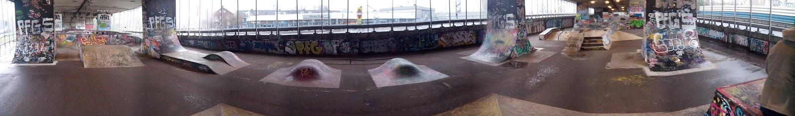 Skatepark onder de A8 in Koog aan de Zaan deel 2
