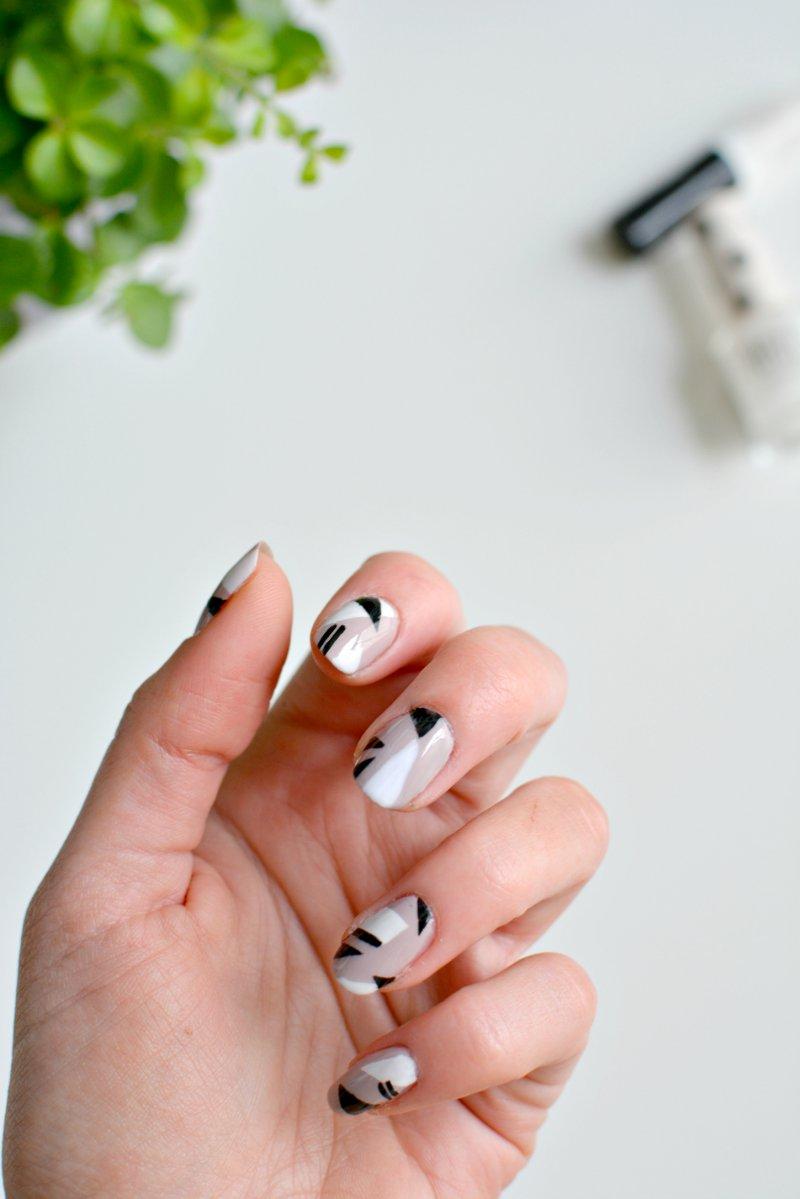 nails | minimal nail art | BURKATRON