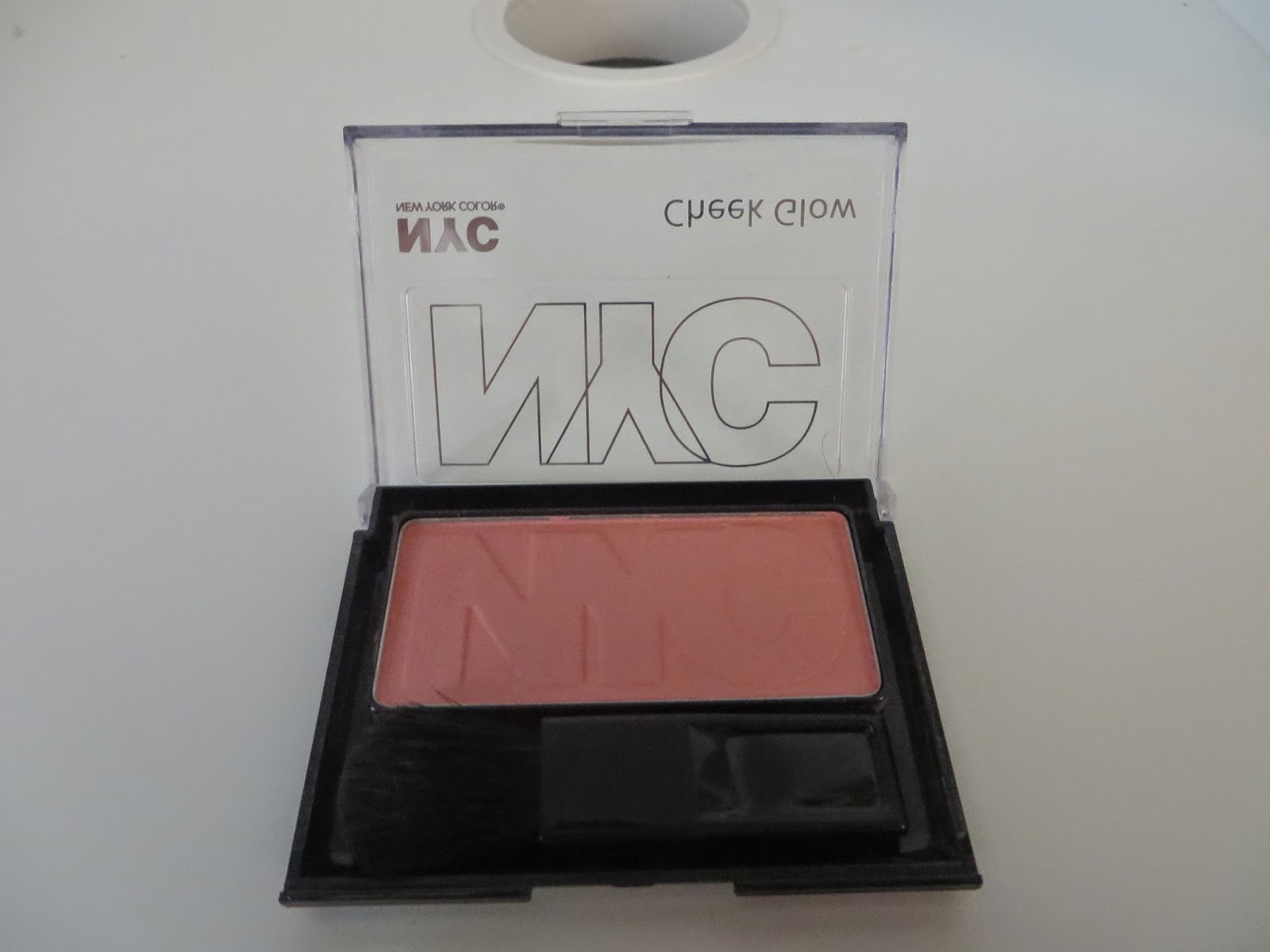 NYC Cheek Glow Powder Blush in 652 West Side Wine