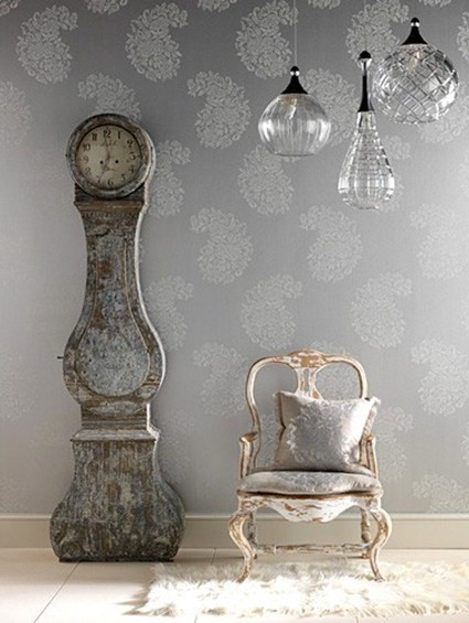 Using vintage elements creating a room with a past for Antique home decorations