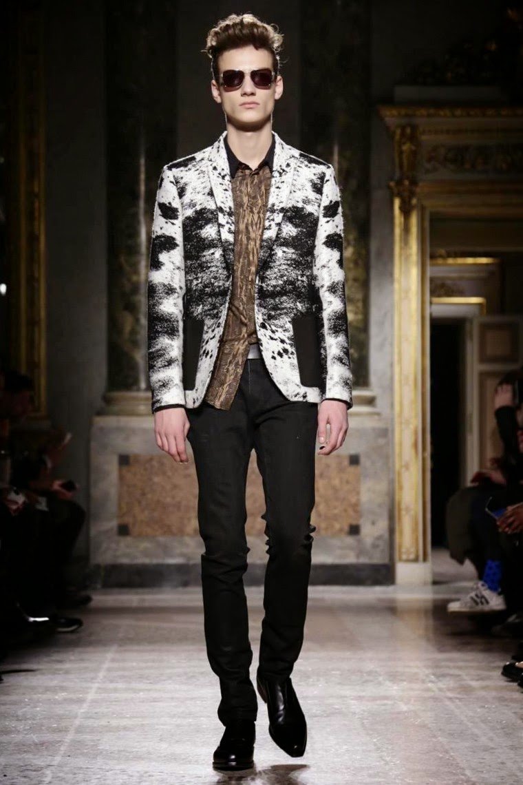 Roberto Cavalli AW15, Roberto Cavalli FW15, Roberto Cavalli Fall Winter 2015, Roberto Cavalli Autumn Winter 2015, Roberto Cavalli, du dessin aux podiums, dudessinauxpodiums, MFW, Pitti Uomo, mode homme, menswear, habits, prêt-à-porter, tendance fashion, blog mode homme, magazine mode homme, site mode homme, conseil mode homme, doudoune homme, veste homme, chemise homme, vintage look, dress to impress, dress for less, boho, unique vintage, alloy clothing, venus clothing, la moda, spring trends, tendance, tendance de mode, blog de mode, fashion blog, blog mode, mode paris, paris mode, fashion news, designer, fashion designer, moda in pelle, ross dress for less, fashion magazines, fashion blogs, mode a toi, revista de moda, vintage, vintage definition, vintage retro, top fashion, suits online, blog de moda, blog moda, ropa, blogs de moda, fashion tops, vetement tendance, fashion week, Milan Fashion Week