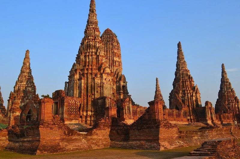 Ayutthaya, Thailande, royaume de siam, temples, ruines, Wat Chaiwatthanaram