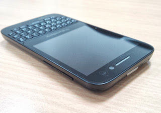Desain BlackBerry Q5