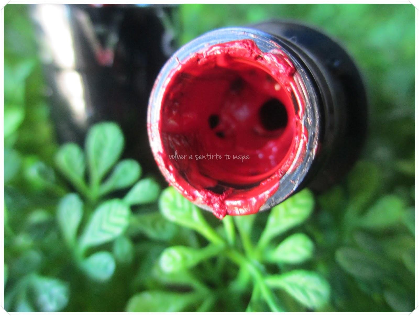05 Outrageous Rouge Extreme Liquid Lipstick de SEPHORA