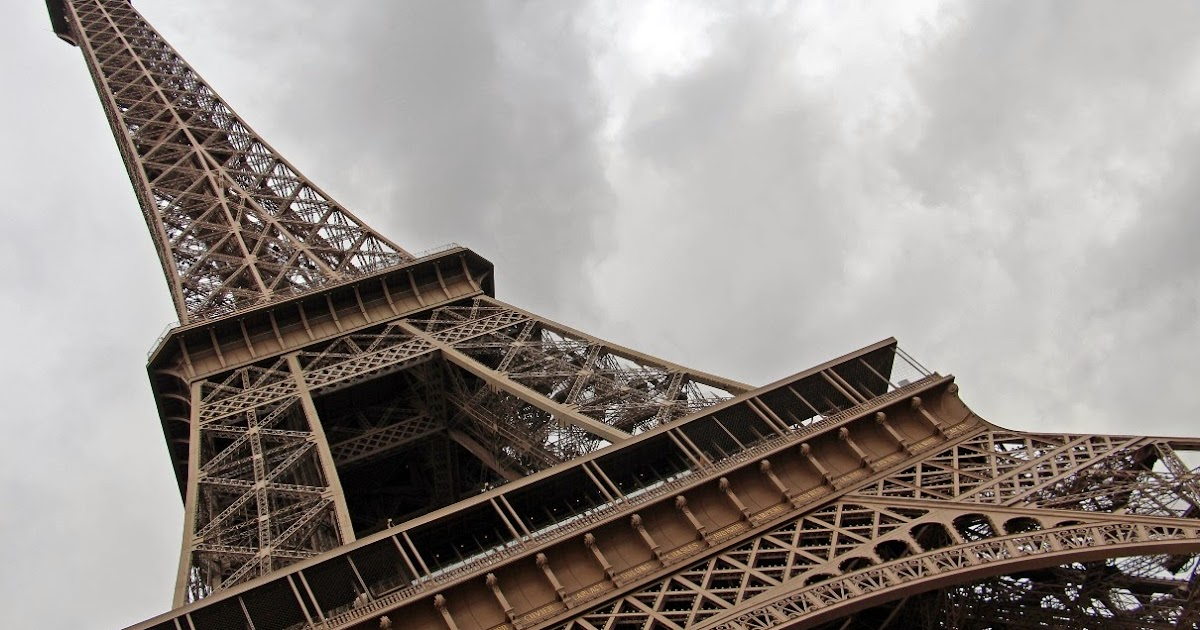 Top Of Eiffel Tower Stairs : The viewing deck paris city tour st part lattice stairs
