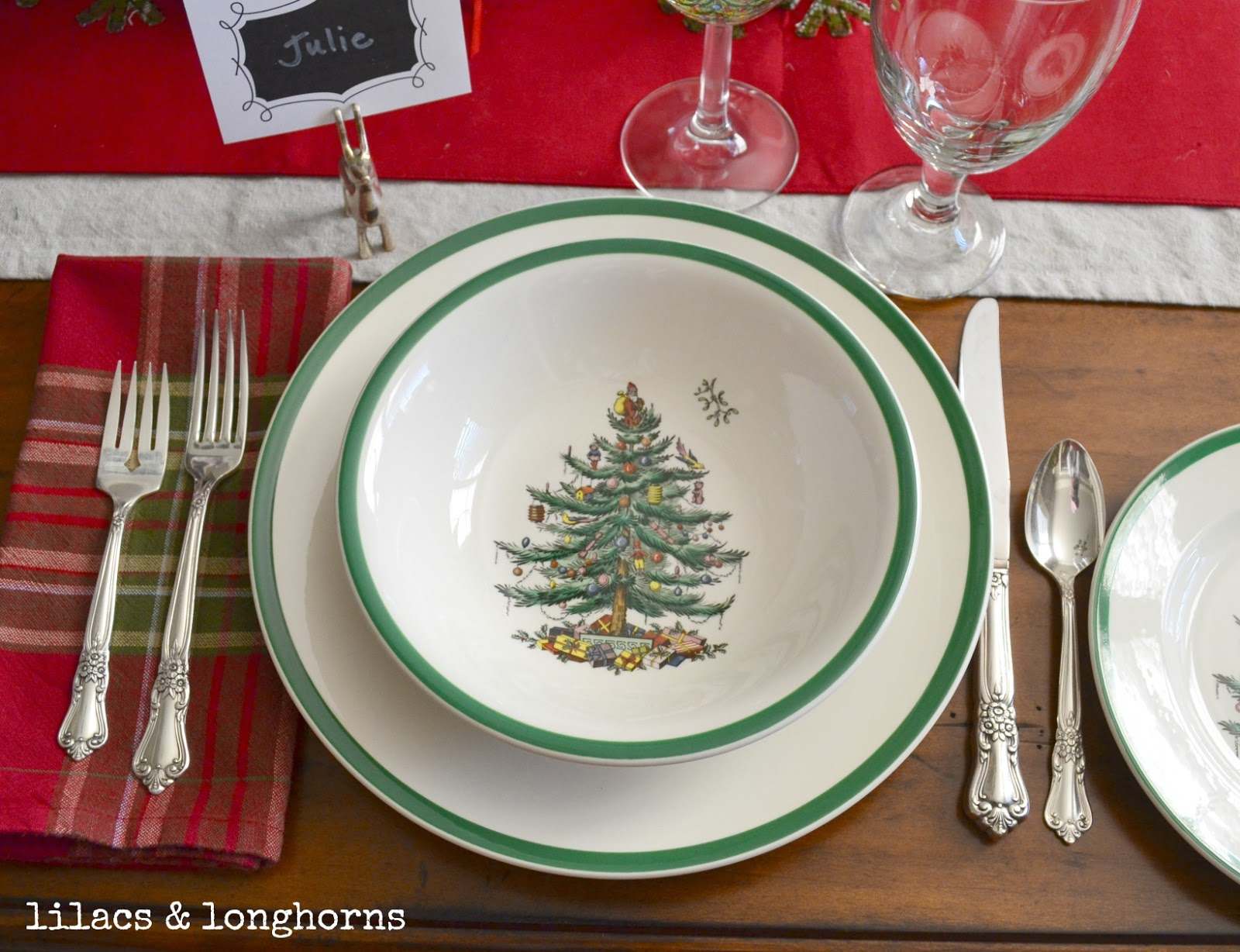 Christmas Tablescape & Dining Room Decor - Lilacs and ...