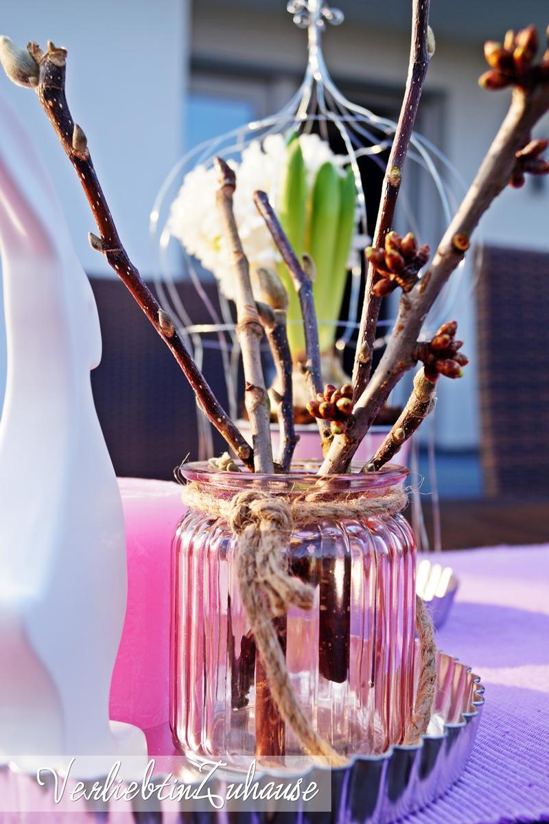 Frühlingsdeko Kirschzweige Weidenkätzchen im Glas