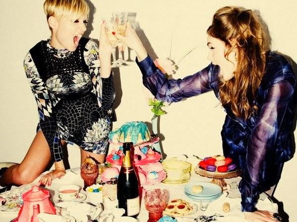 Gry alkoholowe na wieczór panieński. Którą pierwszą wypróbujecie? ;)