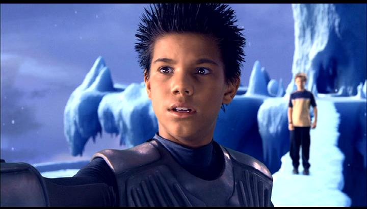 Hottie of The Week 2-T... Taylor Lautner Sharkboy