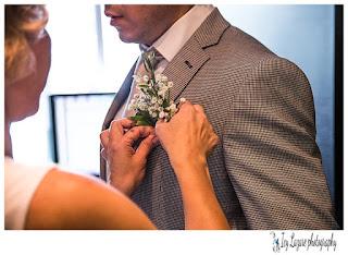 button hole flower wedding
