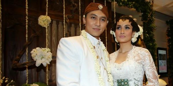 Foto Baju Penganten Demian & Sara Wijayanto Menikah 2014 Resmi