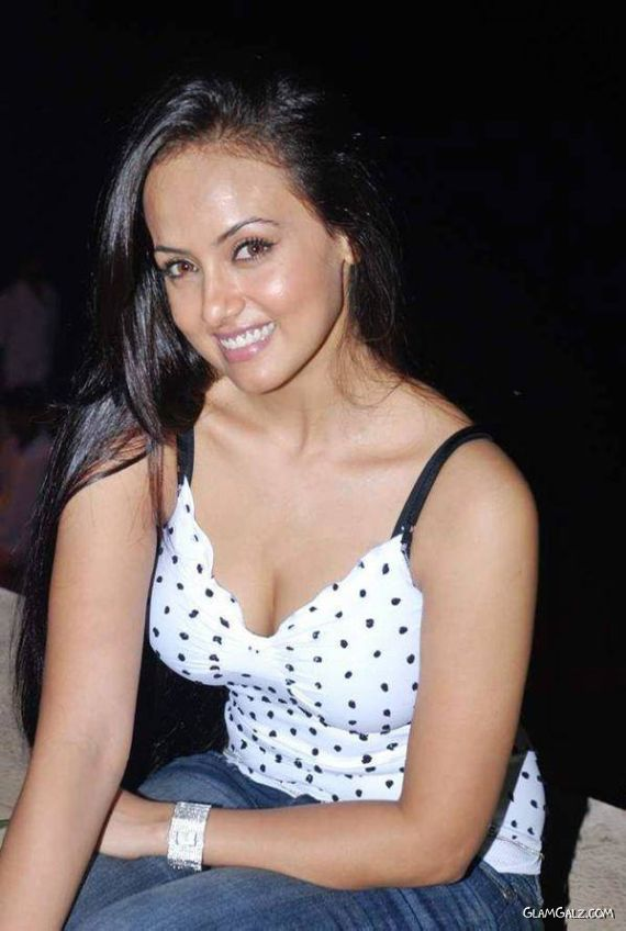 South Actress Sana Khan|Telugu Actress Sana Khan