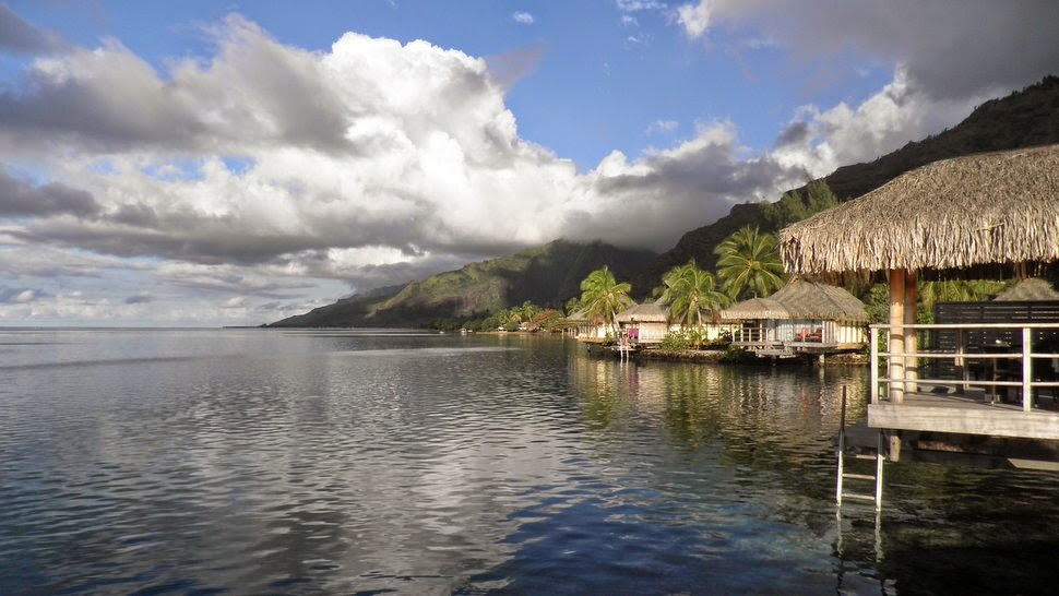 Bungalows sur pilotis de l'InterContinental Resort & Spa Moorea