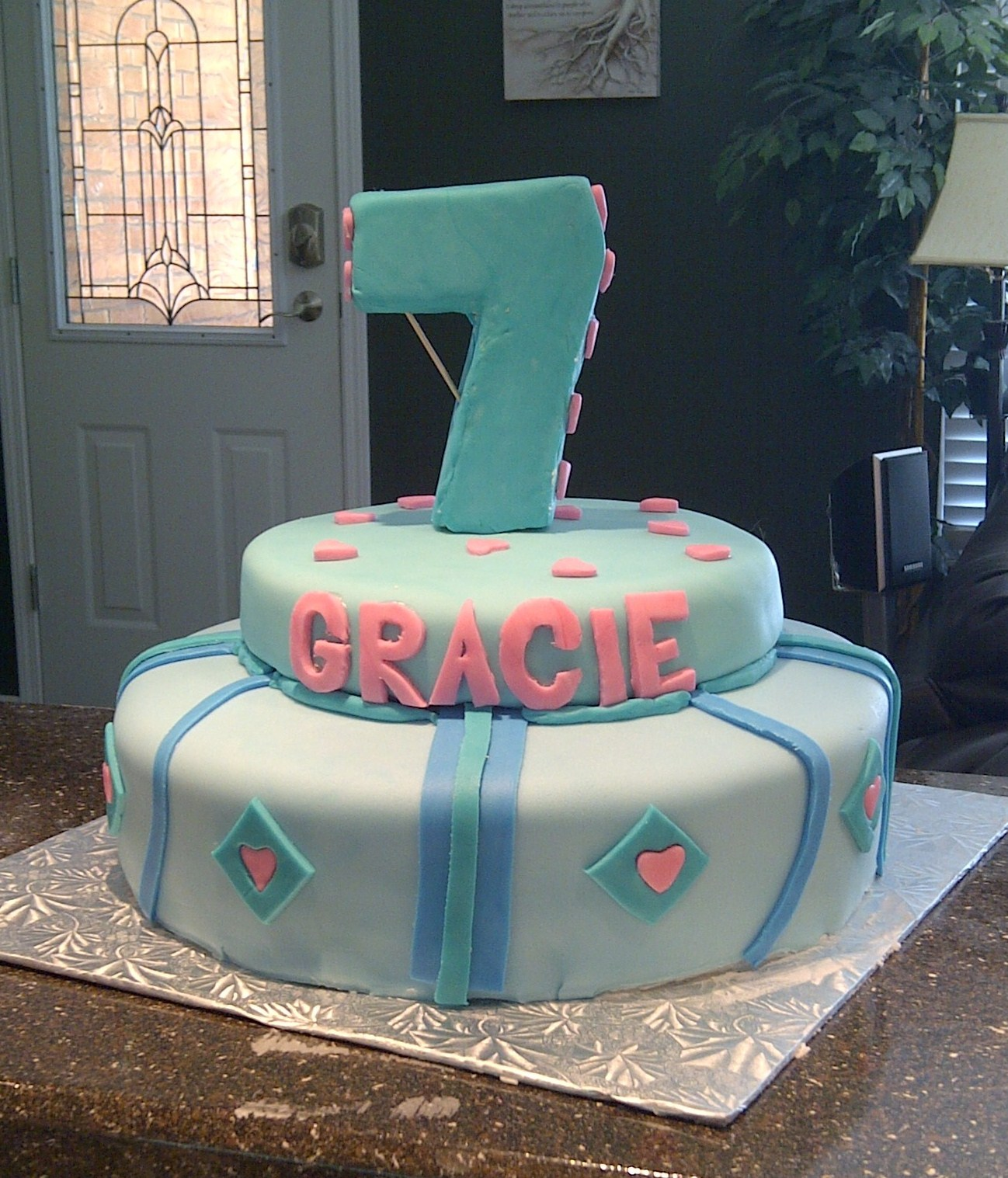 7 Year Old Birthday Cakes http://cakesbyalissa.blogspot.com/2012/01/7-year-old-birthday-party-cake.html