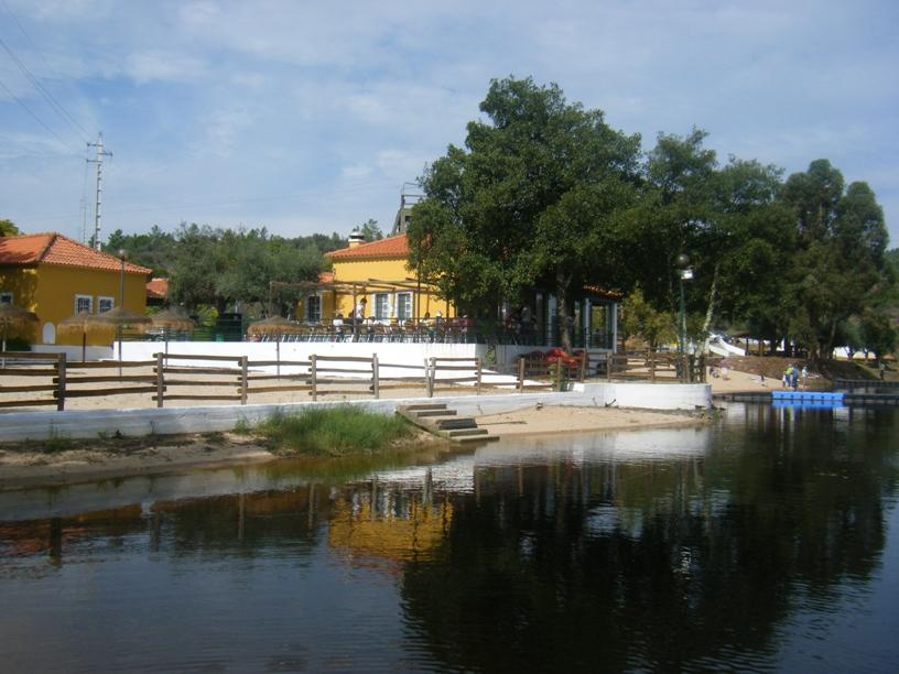 Bar da Praia Fluvial da Ortiga