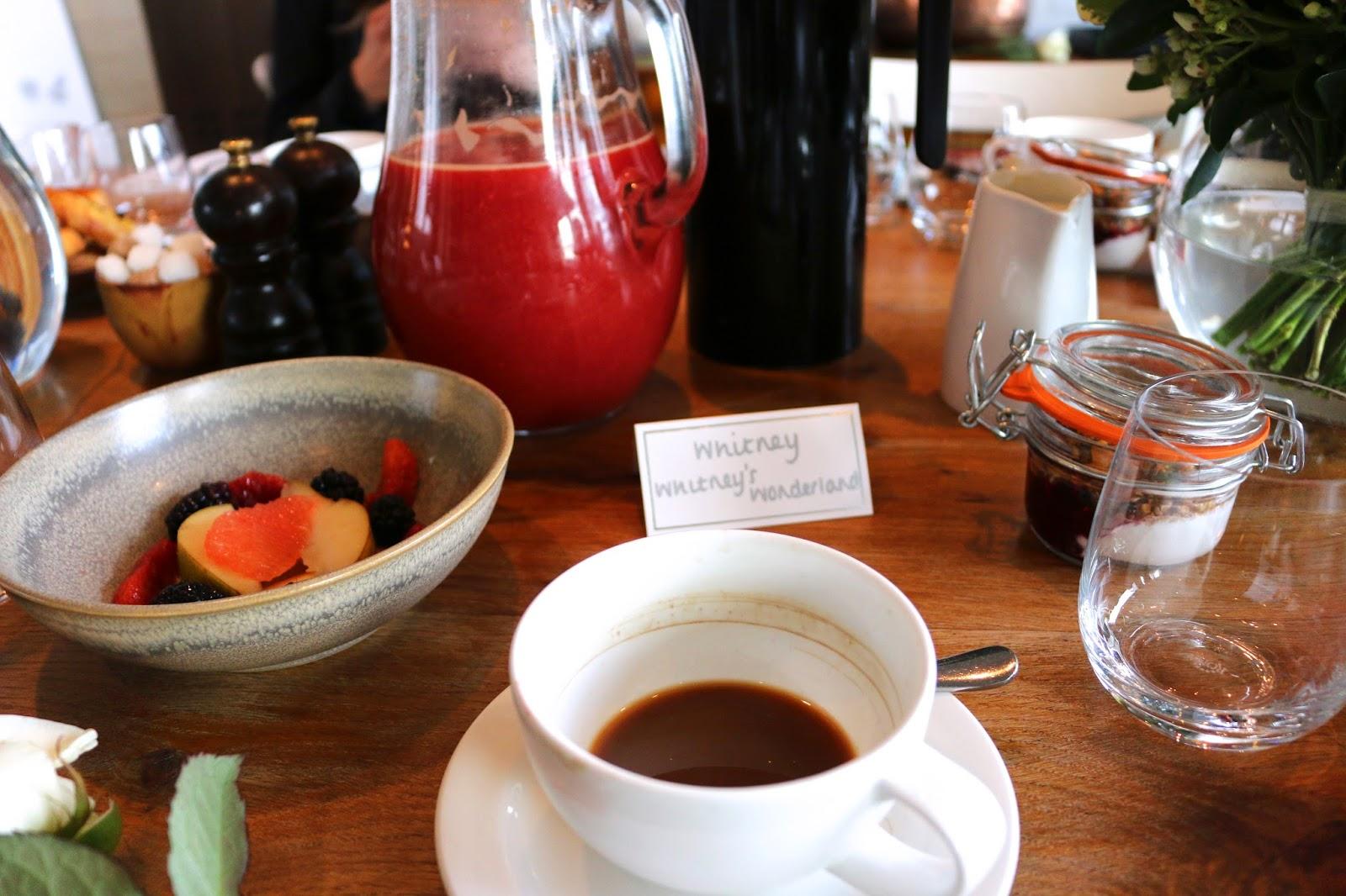 http://www.whitneyswonderland.com/2015/05/breakfast-at-duck-waffle-with-vashi.html