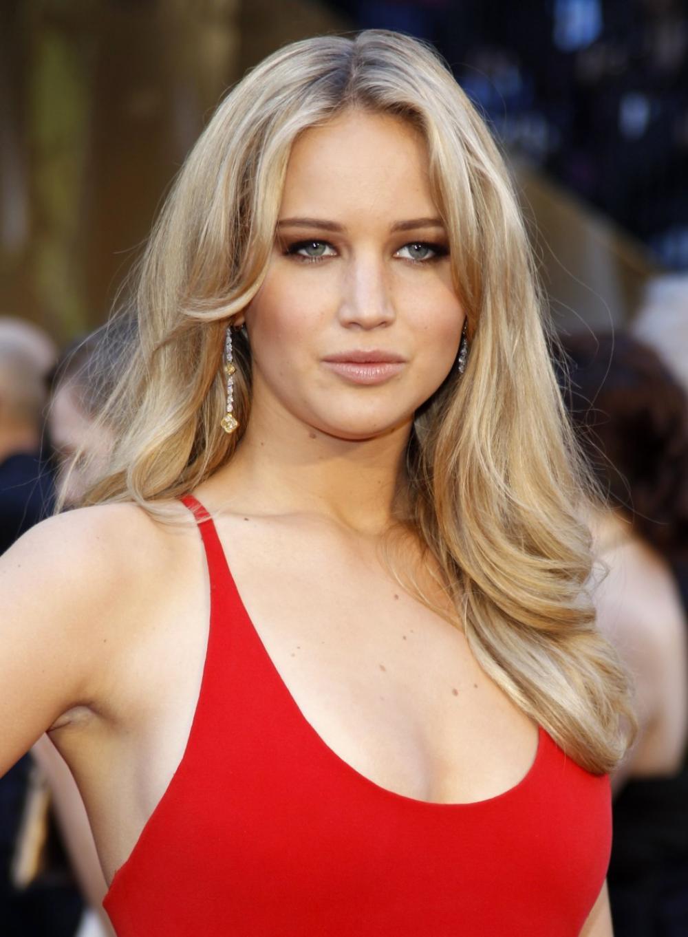 Jennifer Lawrence NUDE photos leaked: Star calls intrusion