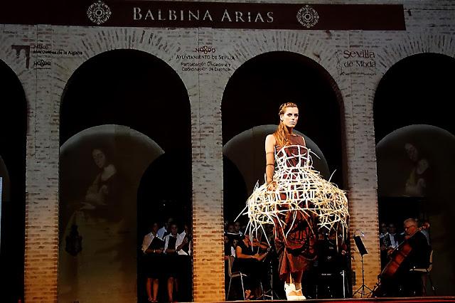 Balbina_Arias_desfile_santas_zurbarán