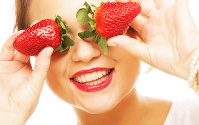 masker strawberry dan putih telur