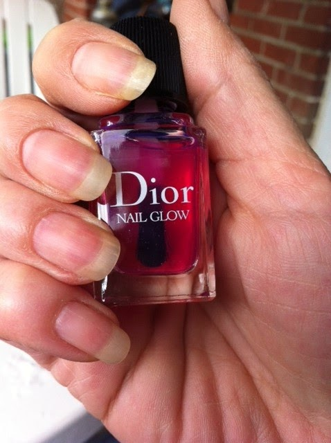 Icaria\'s: Going almost nacked with Dior Nail Glow...