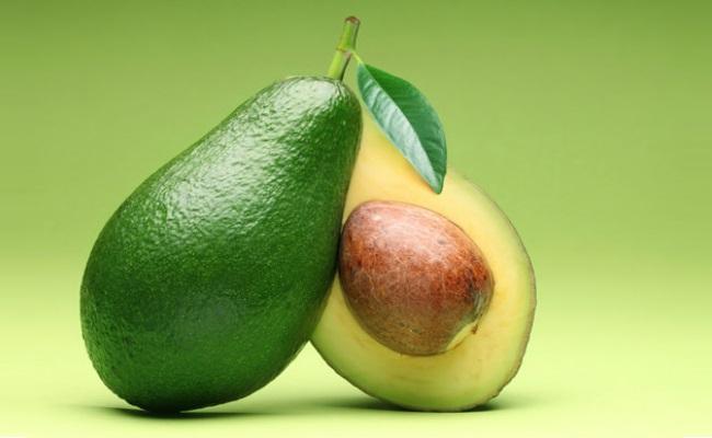 Avocado Paste For Dry Skin Care