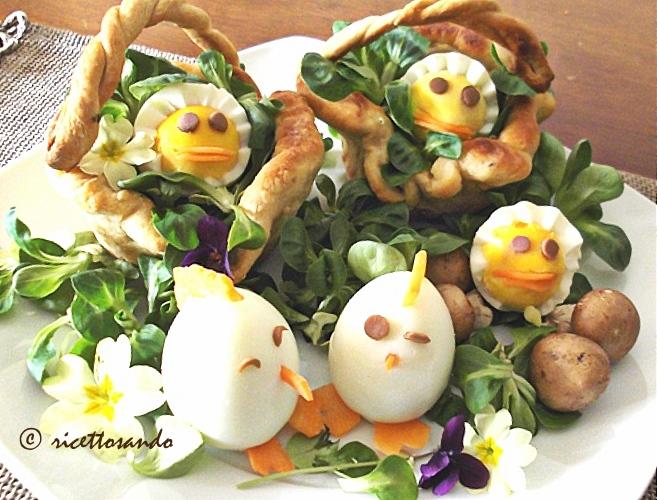 Uova sode decorate per la tavolata di Pasqua