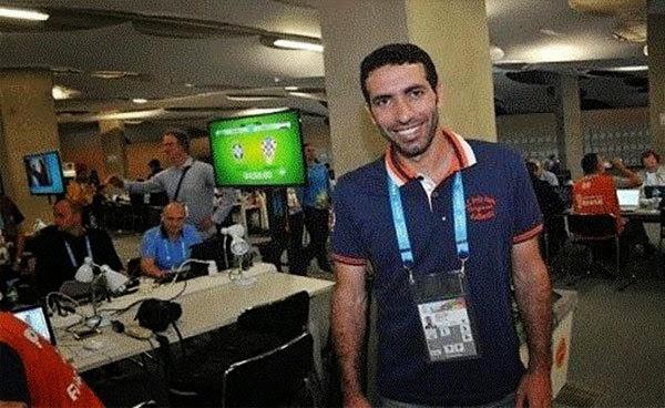 ماذا فعل محمد أبو تريكة عندما رأى شاكيرا ترقص في نهائي كأس العالم