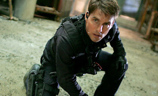 Tom Cruise does his own stunts