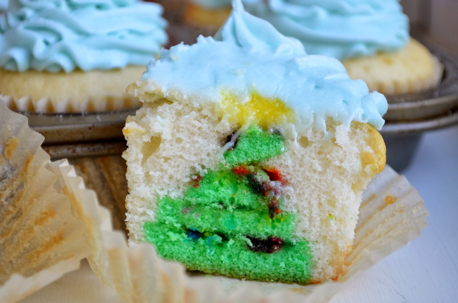 Hidden Christmas Tree Cupcakes! Week 3 of the 12 Weeks of Christmas ...