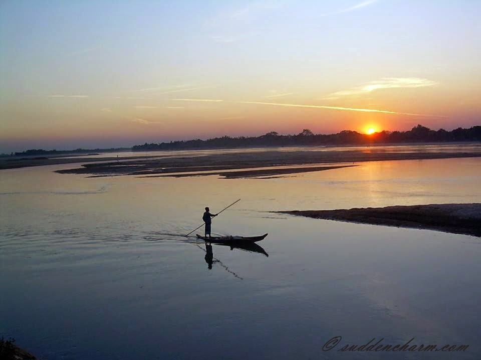 bangladesh is a country of rivers Page about the country bangladesh, its capital, currency, animals, and more discover bangladesh right on this page the delta plain that the rivers form allow for this however, bangladesh is very flat and is regularly flooded by the rivers.