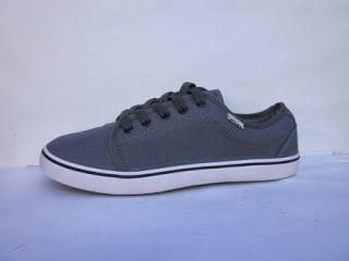 Sepatu Vans Chukka murah