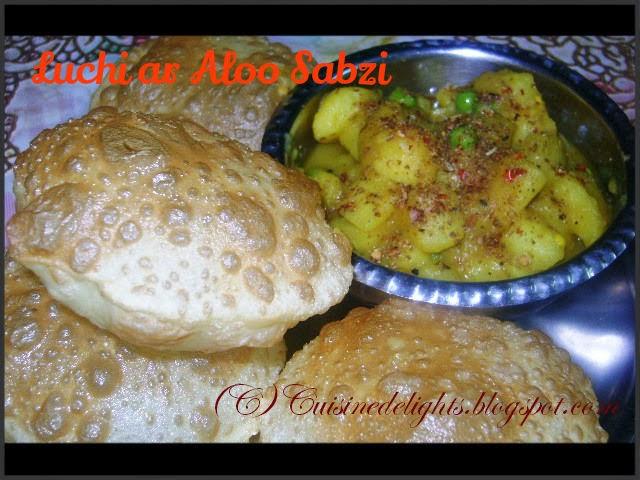 luchi ar aloo sabzi (fried indian flat bread & potato curry)