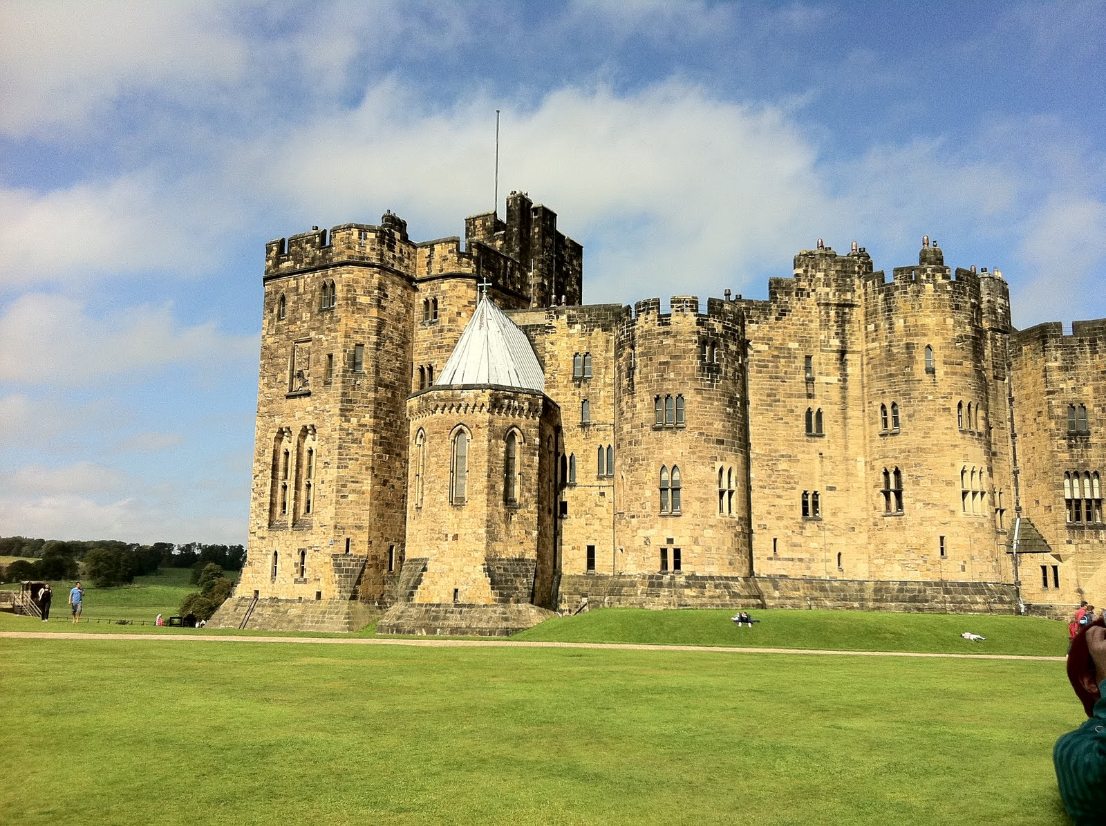 Floor to ceiling books a trip to alnwick castle the poison diaries alnwick castle fandeluxe Epub