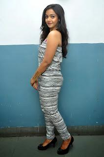 Nithya Shetty sizzling pics 009.jpg
