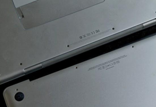 MacBook Proの裏側
