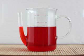 piros rebarbara esszencia consommé rebarbaralé gyümölcsprés kávéfilter