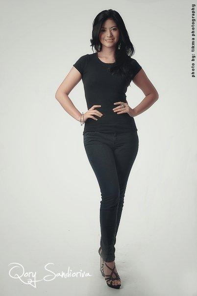 sexy photos of qory sandiovira 01