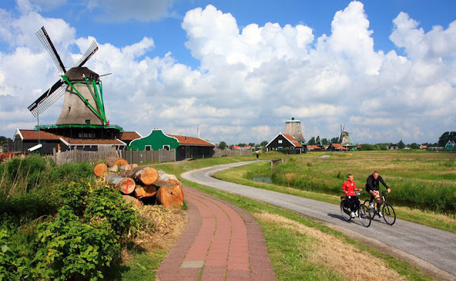 Holland's Windmill