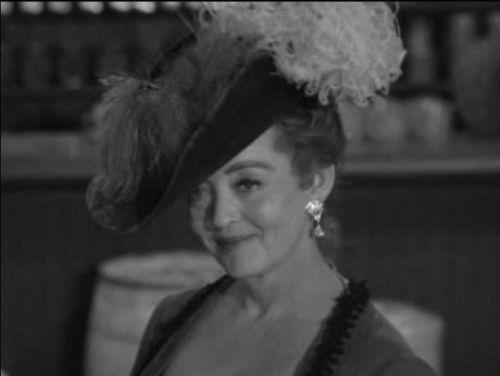 Bette Davis in The Elizabeth McQueeny Story