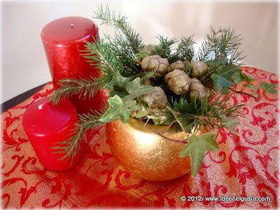 Vasetto natalizio con pignette , abete ed edera