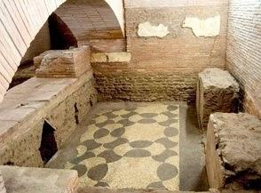 I Sotterranei di S Lorenzo in Lucina e i resti della meridiana di Augusto