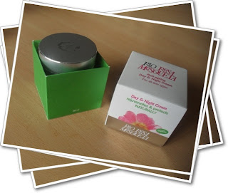Rio Rosa Mosquetta day and night cream box