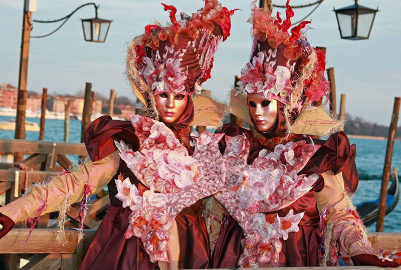 In giro per italia consejos para viajar al carnaval de - Trajes de carnaval de epoca ...