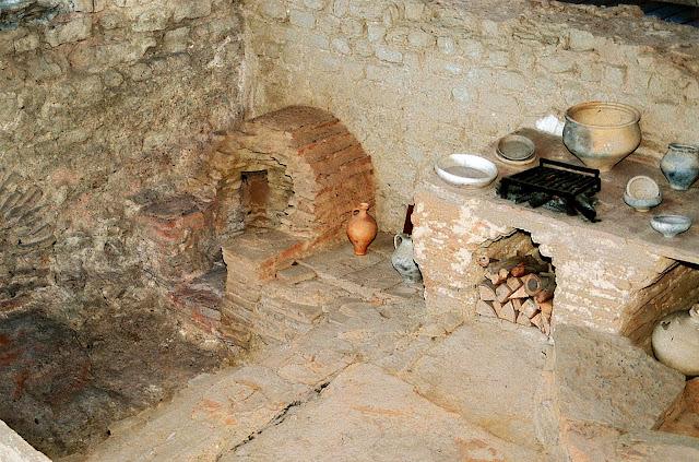 An 'authentic' roman kitchen.