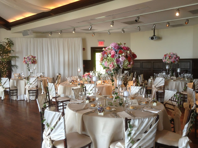 Saratoga National Golf Club Wedding Pictures - Centerpiece Arrangements - Splendid Stems - Wedding Flowers