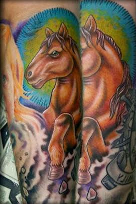 Tattoo de cavalo no braço