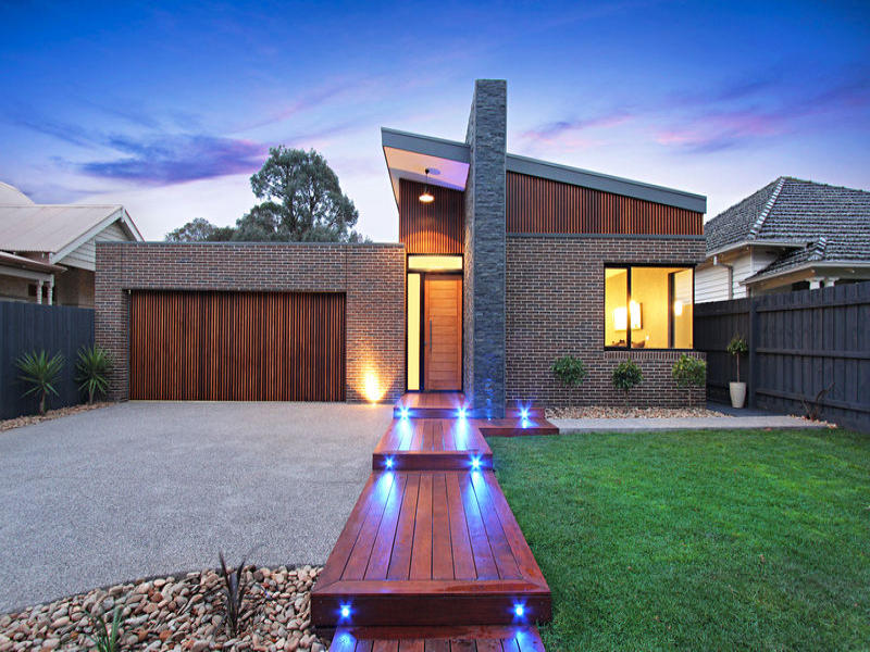 Home search small contemporary home near melbourne for Contemporary house pictures