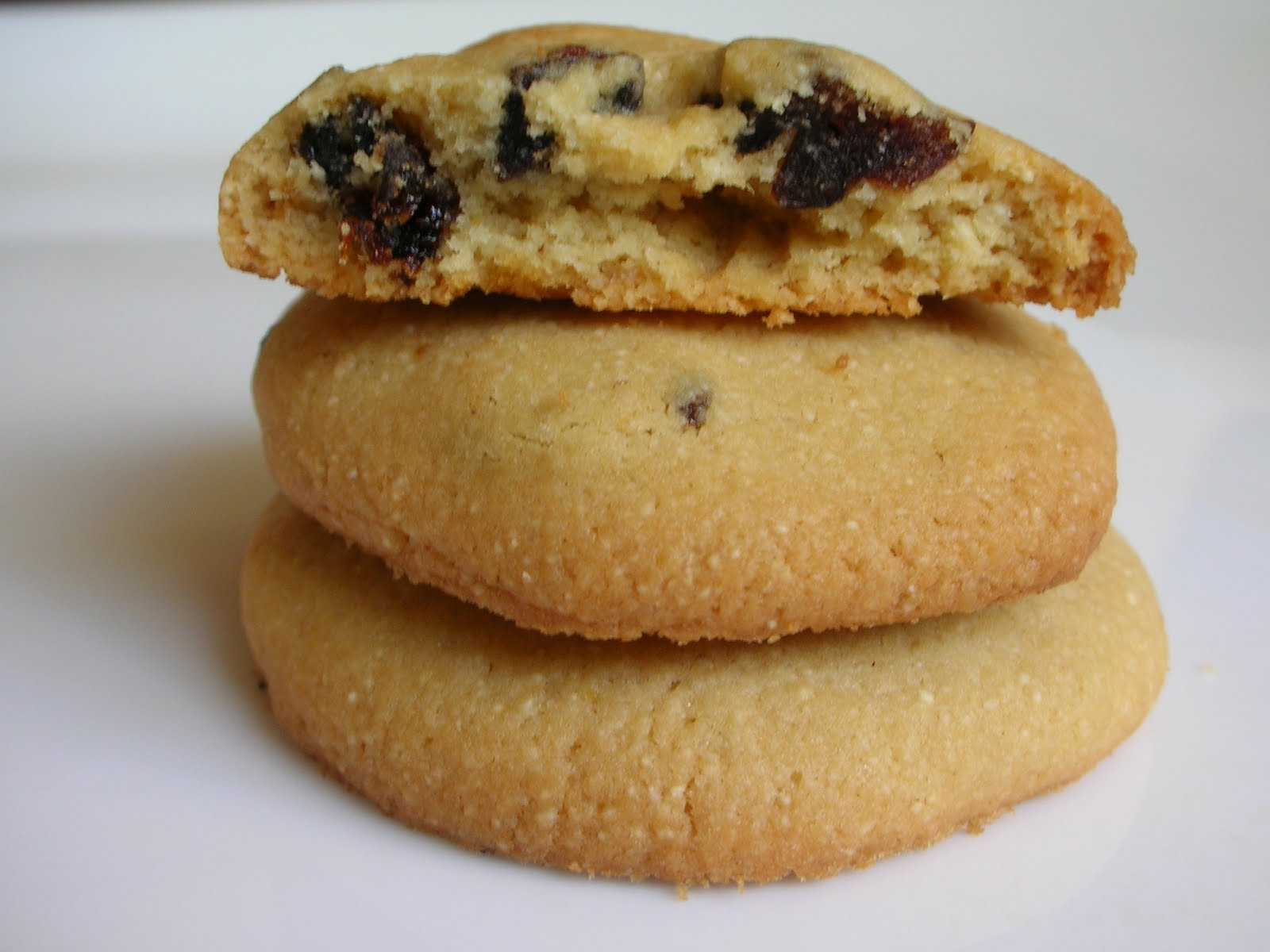 Almond semolina cookies recipe